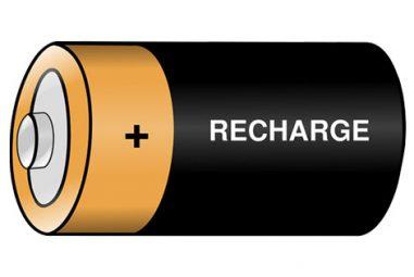 Comment les vélos et trottinettes électriques en libre service sont-ils rechargés ?