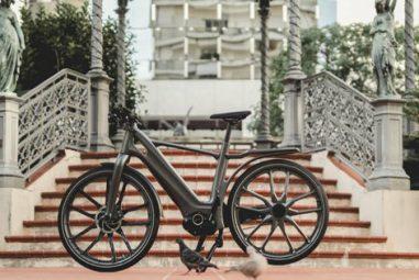Une première, Stajvelo lance son vélo électrique en matières plastiques injectées
