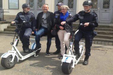 La police municipale de Honfleur est équipée de trottinettes électriques