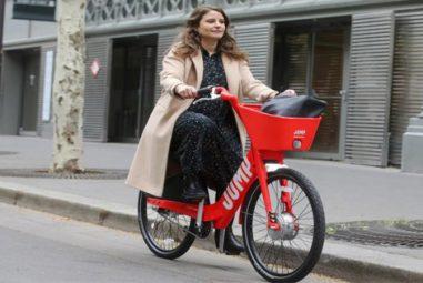 Le groupe américain Uber lance ses vélos et trottinettes électriques à Paris